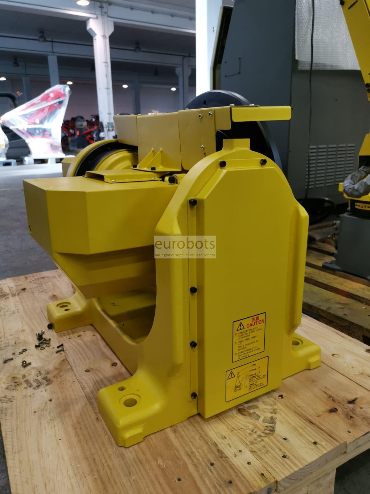 Welding Fanuc robot Arcmate 100iC | Eurobots