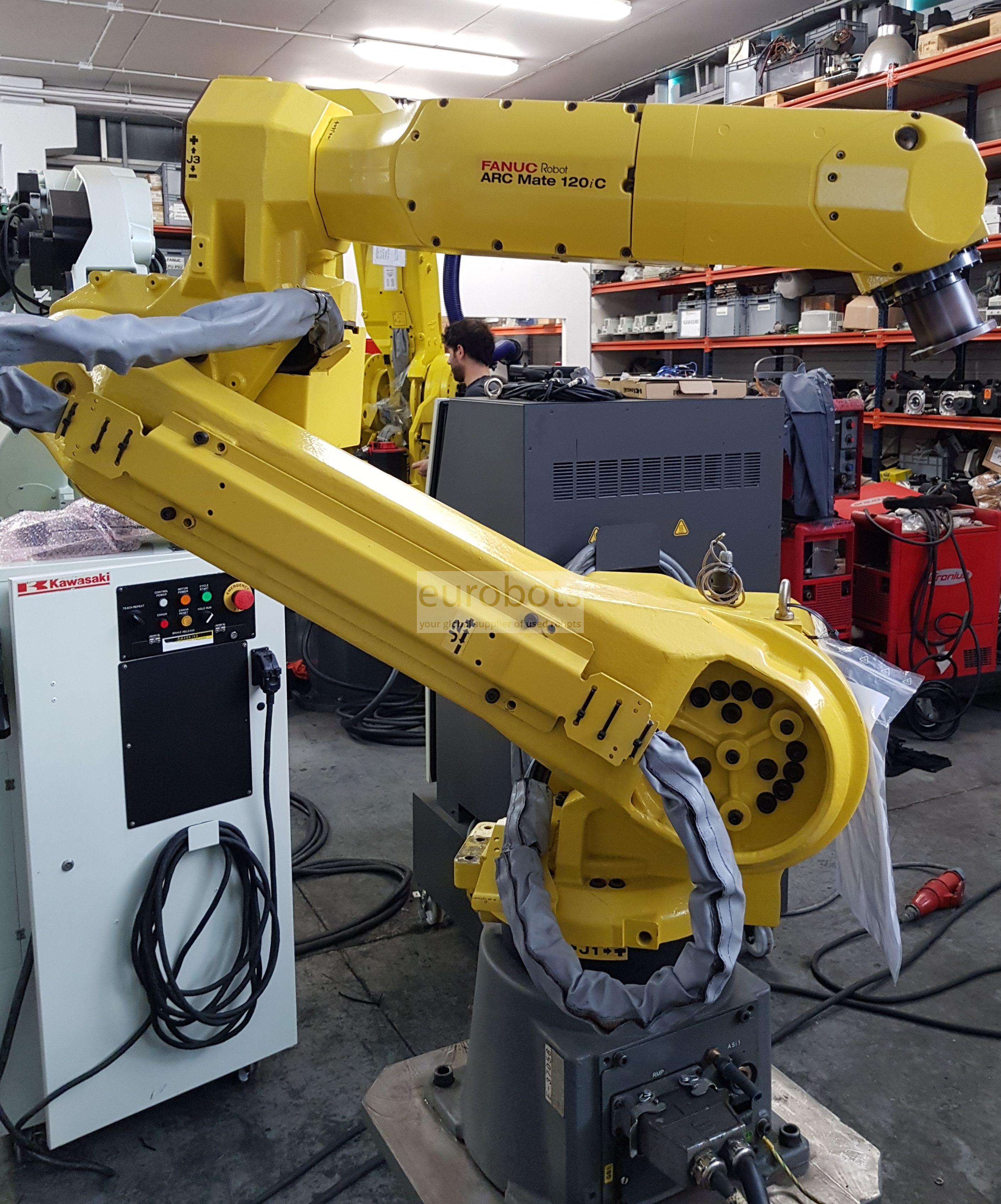 Used Fanuc robot arc mate 120ic R-30ia contoller | Eurobots